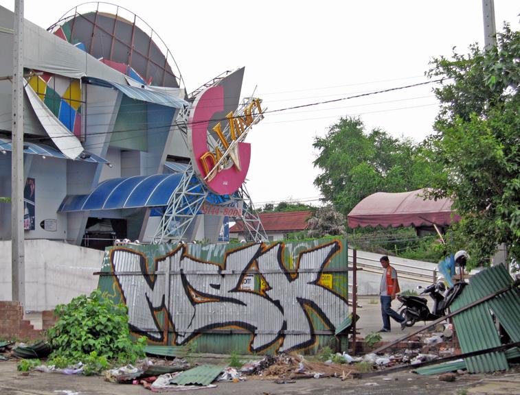 Cider Msk Holding Down Bangkok Thailand